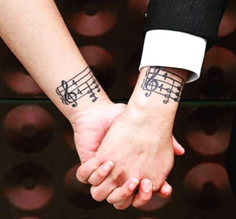 Tatuajes en la Mueca Significados Fotos Precios y Opiniones